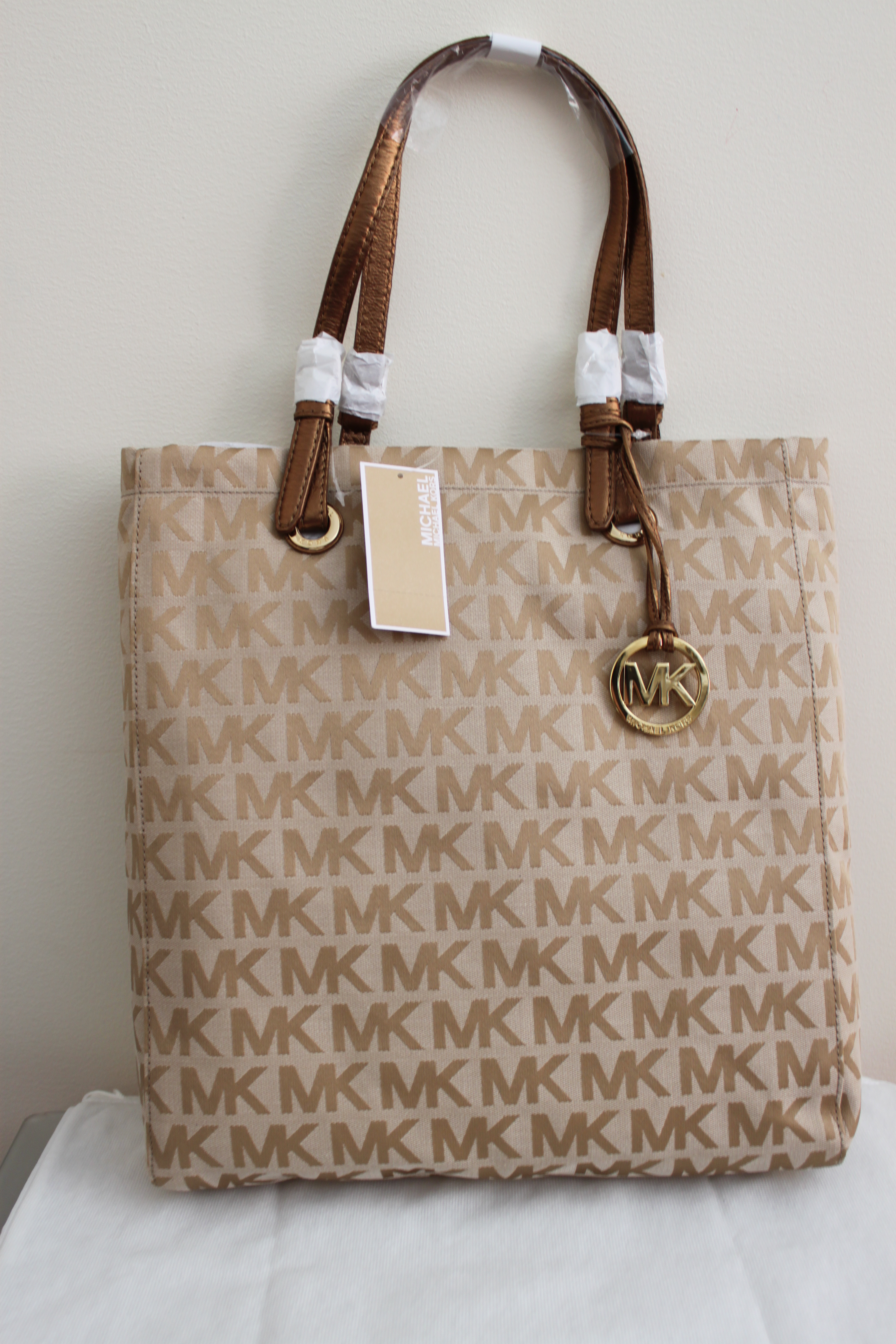 Reduced Michael Kors Totes - 2010 02 24 Michael Kors Tote Php 8200